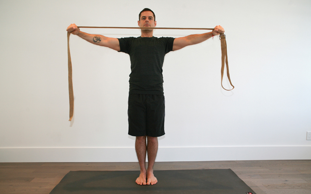 jock_yoga_tutorial_-_shoulder_stretch_1